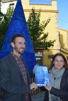 Núria Carné, regidora de Comunicació, i Isidre Pineda, regidor de Turisme i Termalisme, durant la roda de premsa de presentació del concurs dels desitjos