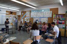 Participants a la trobada de la Xarxa Local Escola Nova 21 durant la sessió